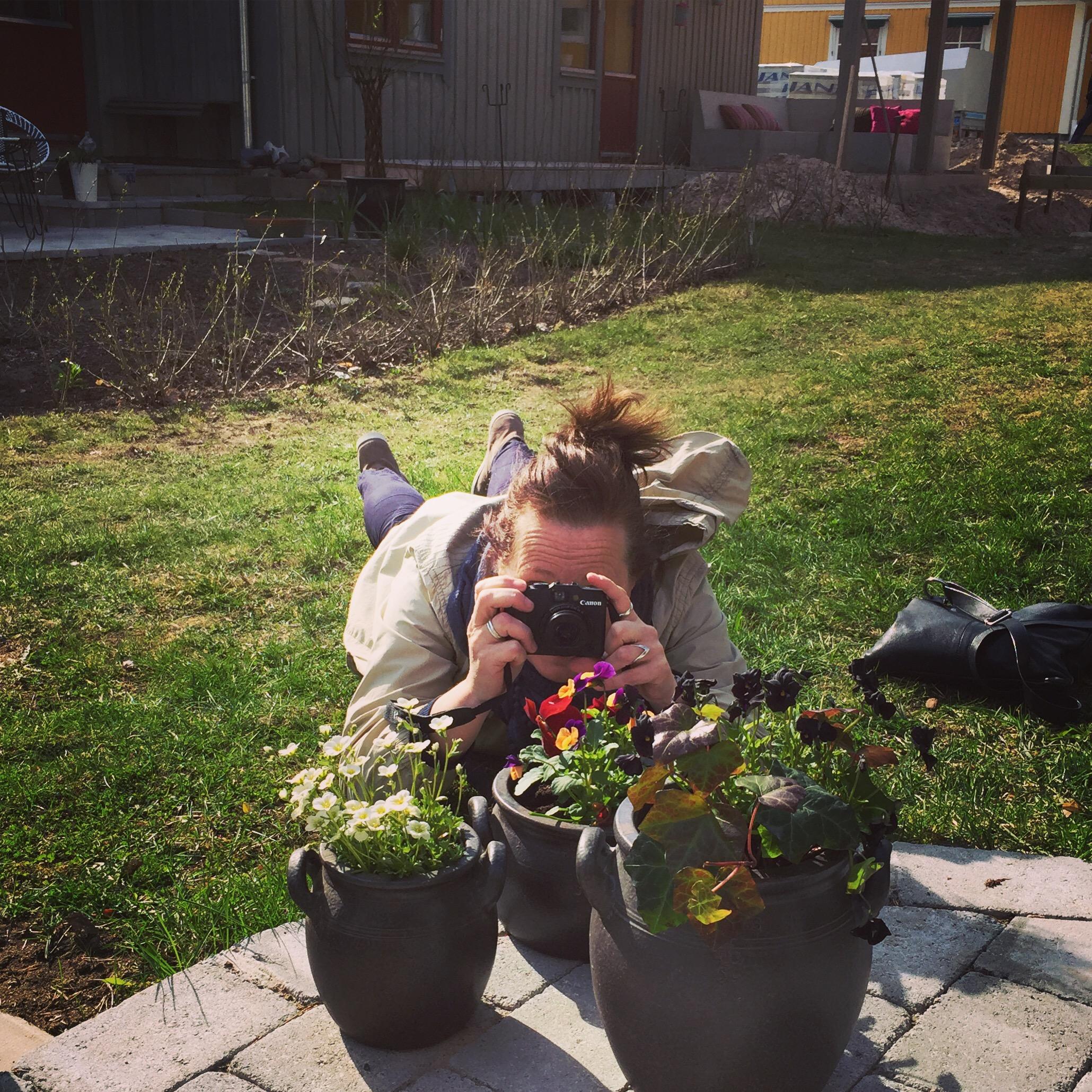 Trädgårdsreportage och fotande av Moniqa Swälas